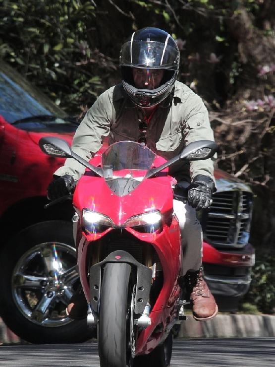 Bradley Cooper Ducati 1199 Panigale (2)