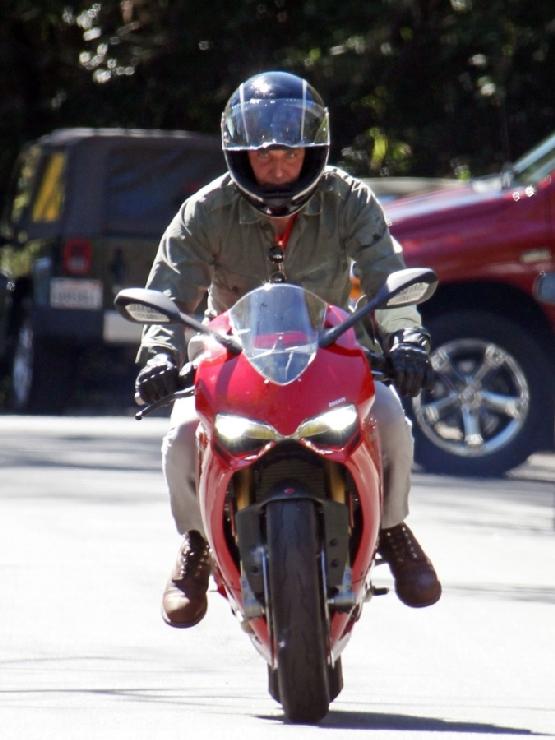 Bradley Cooper Ducati 1199 Panigale (6)