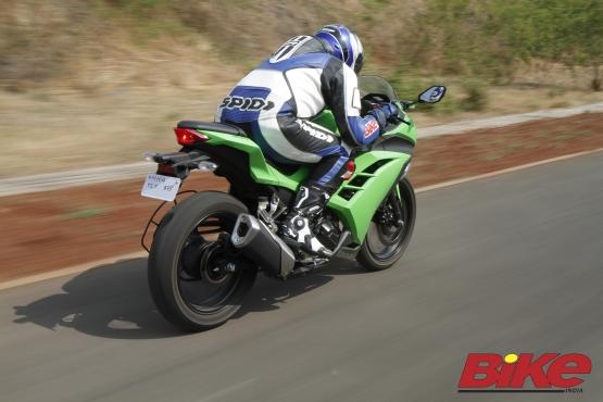 Kawasaki Ninja 300 (2)