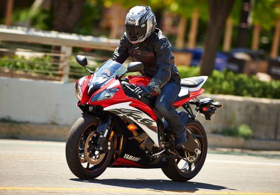 2014 Yamaha YZF R6 1 web