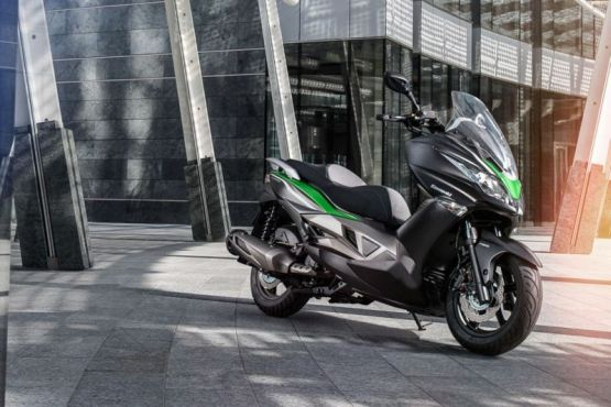 Kawasaki J300 1555 web