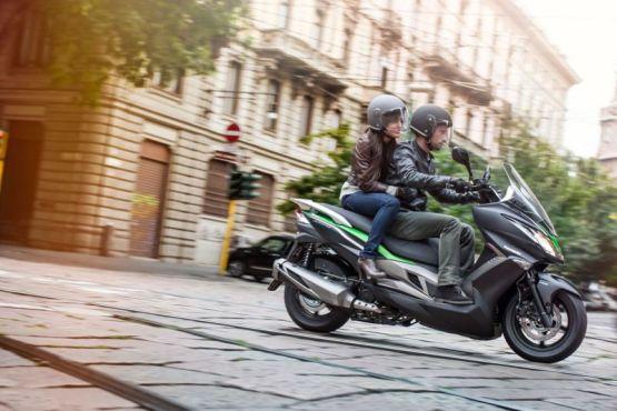 Kawasaki J300 2555 web
