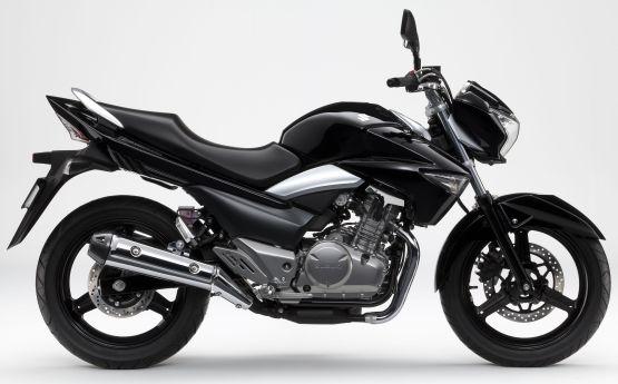 Suzuki Inazuma India 2014 2 web