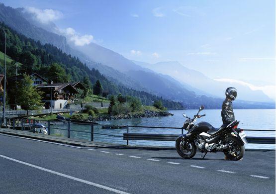 Suzuki Inazuma India 2014 3 web