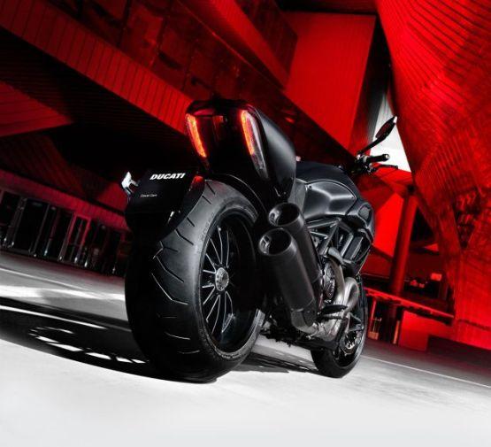 Ducati Diavel Web1