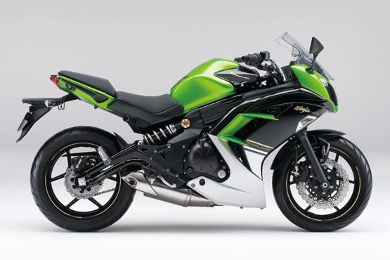 Kawasaki Ninja 400 2 web