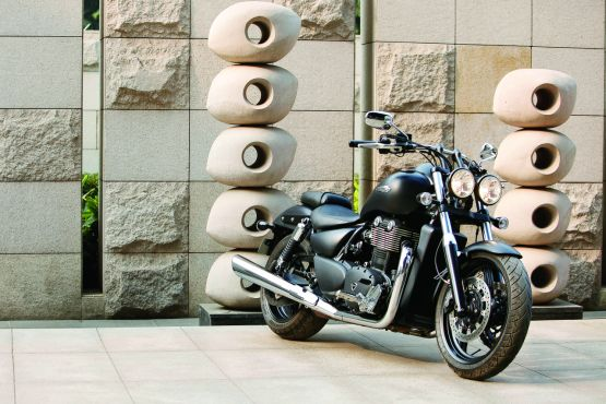 Triumph Thunderbird Storm India Ride 1 web