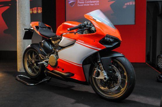 Ducati Superleggera production web