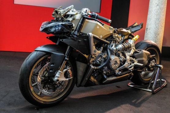 Ducati Superleggera production web2