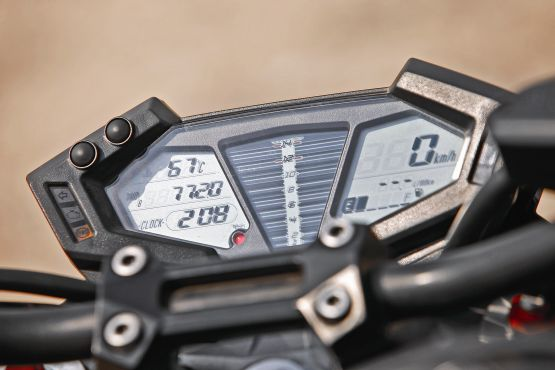 Kawasaki Z800 Road Test 4 web