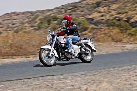 Hyosung Aquila 250 Road Test 4 web