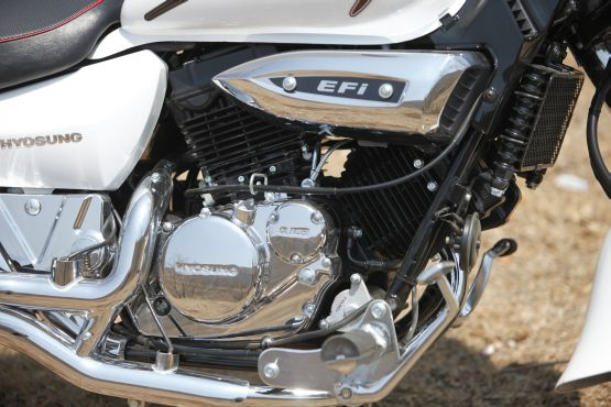 Hyosung Aquila 250 Road Test 5 web