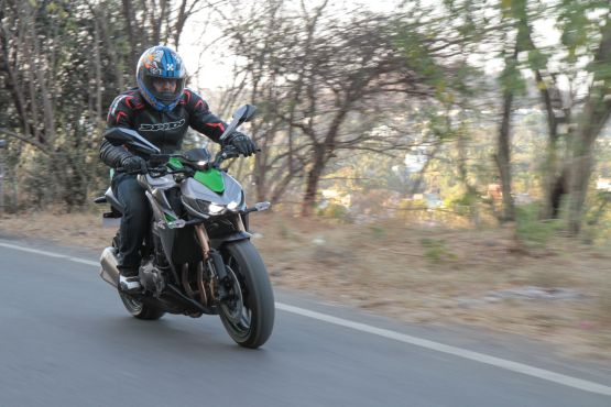 Kawasaki Z1000 Road Test 12 web