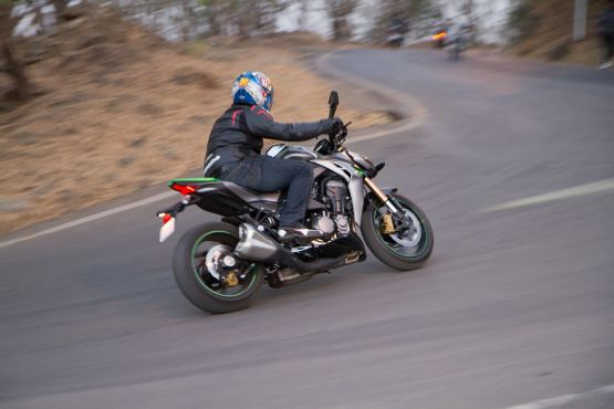 Kawasaki Z1000 Road Test 13 web