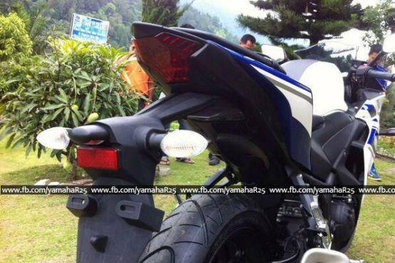 Yamaha YZF-R25 3 web