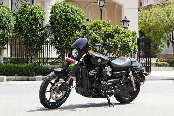 Harley-Davidson Street 750 Road Test 1 web