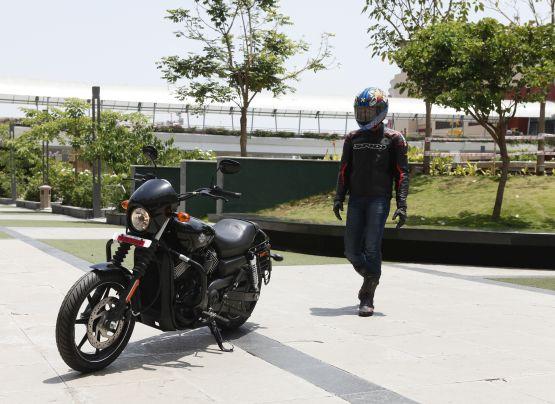 Harley Davidson Street 750 Road Test Web4