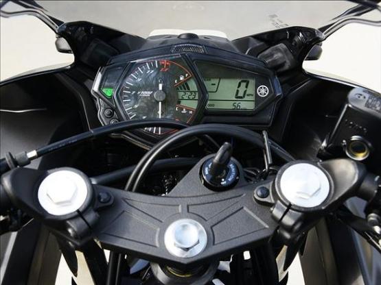 Yamaha YZF-R3 3 web
