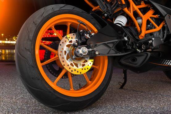 KTM RC 125 ABS web 1
