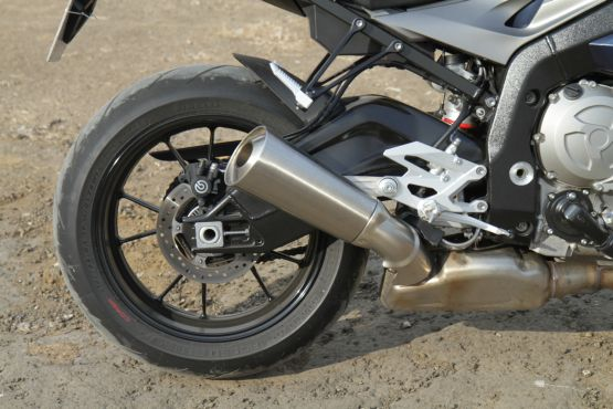 2014 BMW S1000R first ride review web6