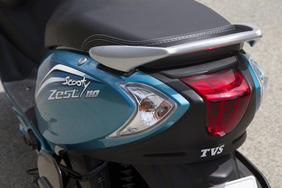 2014 TVS Scooty Zest 110 first ride review web5