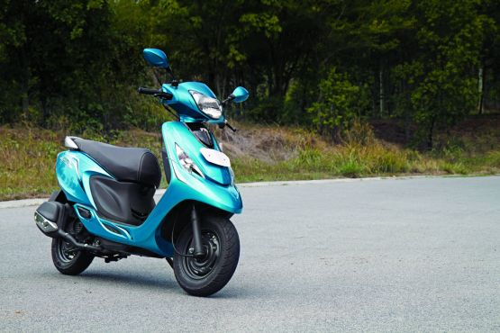 2014 TVS Scooty Zest 110 first ride review web7