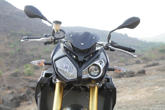 2015 BMW S1000R first ride review web4