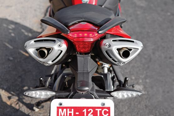 2015 Benelli TnT 600 GT and 600i web 13
