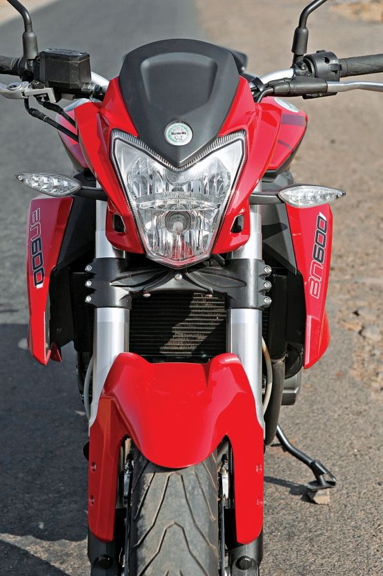2015 Benelli TnT 600 GT and 600i web 14