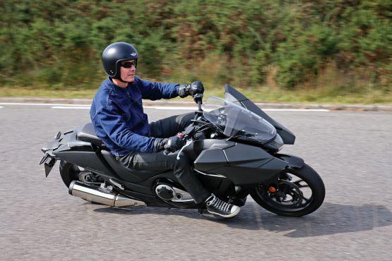 2015 Honda NM4 Vultus road test web 6