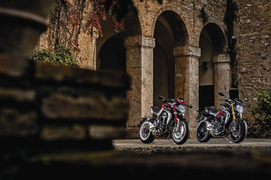2015 MV Agusta Brutale and dragster RR web 1
