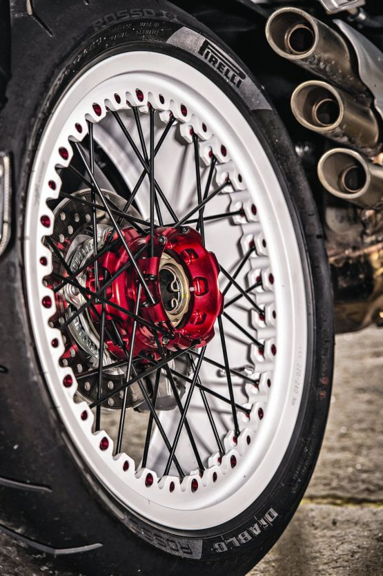 2015 MV Agusta Brutale and dragster RR web 13