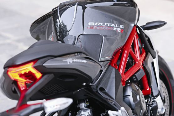 2015 MV Agusta Brutale and dragster RR web 6