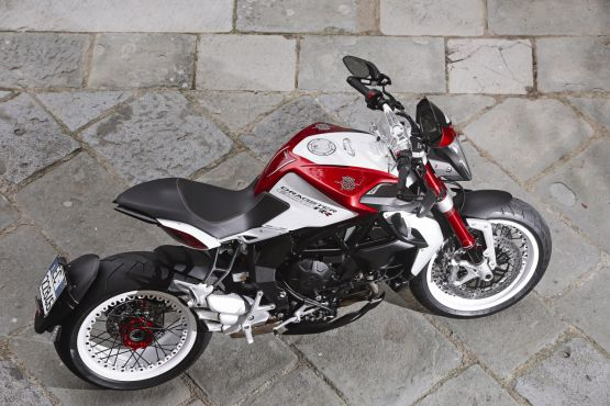 2015 MV Agusta Brutale and dragster RR web 9