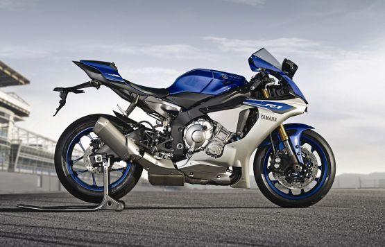 2015 Yamaha YZF R1 R1M web 6