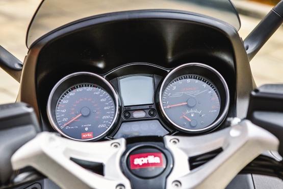 Aprilia SRV 850 ABS 7 web