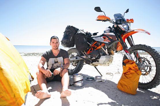 Camping at Hamelin Pool, Sharks Bay, Australia web