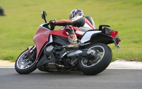 Honda VFR1200F Track Test 5 web