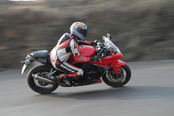 The Feel Good Bike Hyosung Gt 250 R First Ride Review