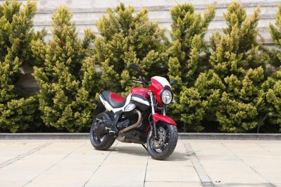 Moto Guzzi 1200 Sport (1)