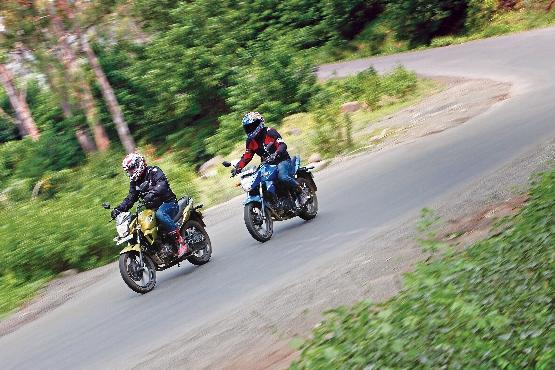 Suzuki Gixxer v Yamaha FZ-S v Honda CB Trigger v Hero CBZ Xtreme (20) (555x370)