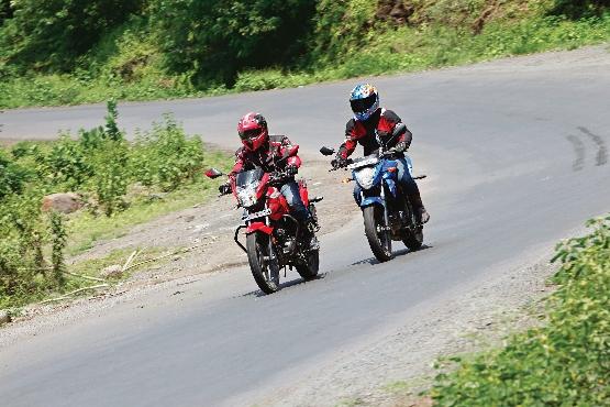 Suzuki Gixxer v Yamaha FZ-S v Honda CB Trigger v Hero CBZ Xtreme (22) (555x370)