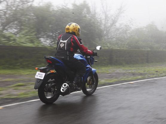 Suzuki Gixxer_3