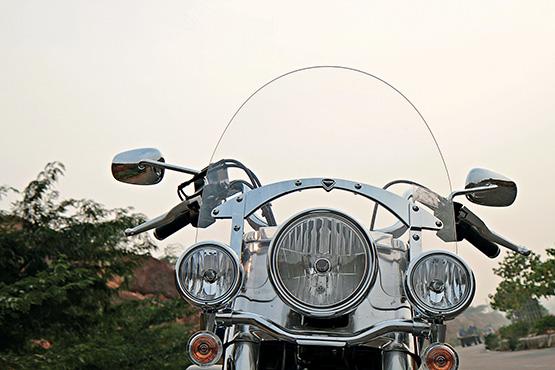 Triumph T'bird LT_146