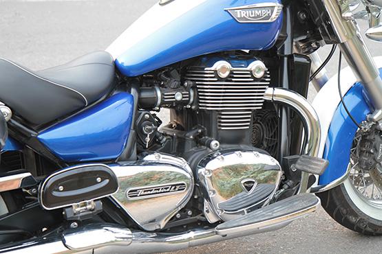 Triumph T'bird LT_152