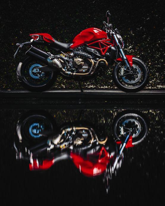 2015 Ducati Monster 821 web 3