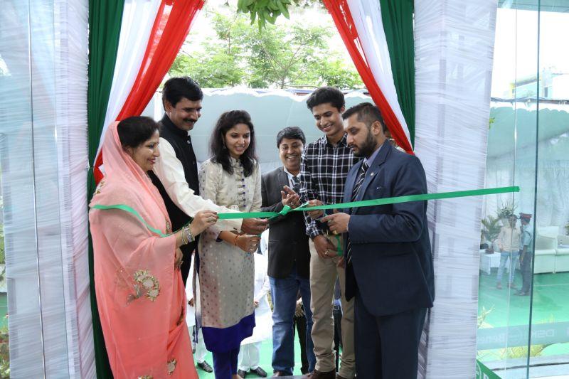(L-R) Mrs. Shivlata Singh - Dealer Principal, Mr. Divyaraj Singh - Dealer Principal, Mr. Shirish Kulkarni - Chairman, DSK MotowheelsWEB