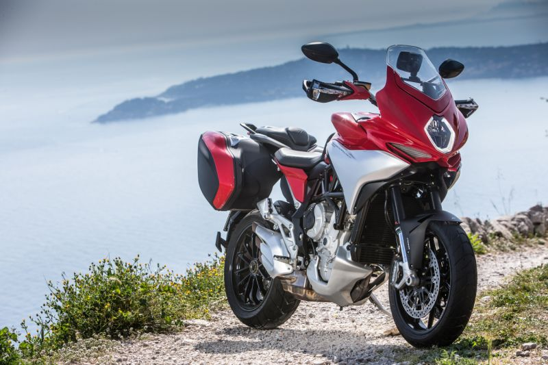 practicality wedded to performance: mv agusta turismo veloce 800