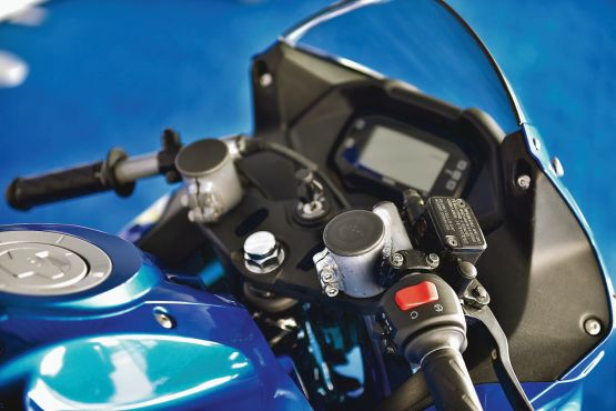 Suzuki Gixxer Cup race bike ride WEB3