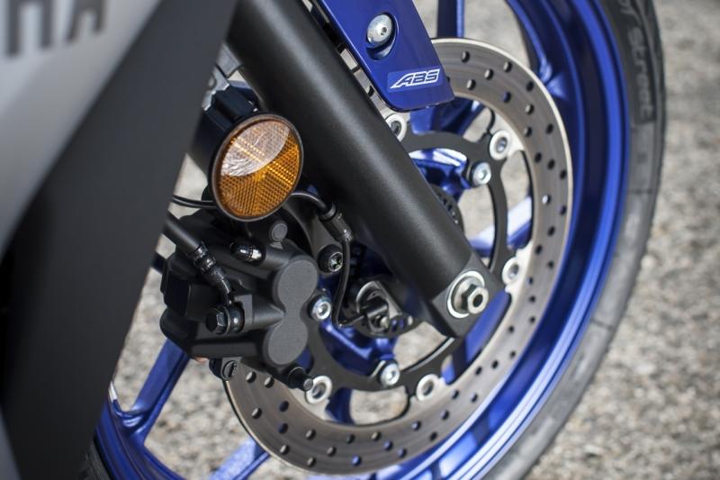 Yamaha YZF-R3 1 web